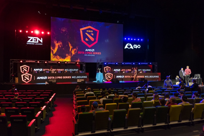 imagem de auditório recebendo competição de eSports