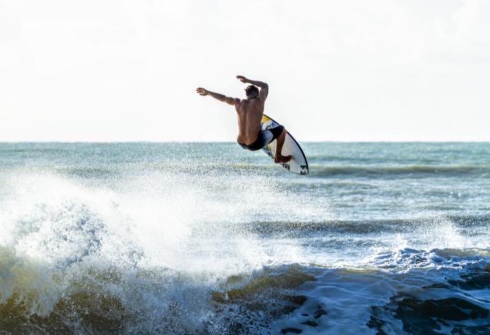 Circuito Mundial de surfe: o Brasil está no topo e promete fazer bonito nas Olimpíadas!